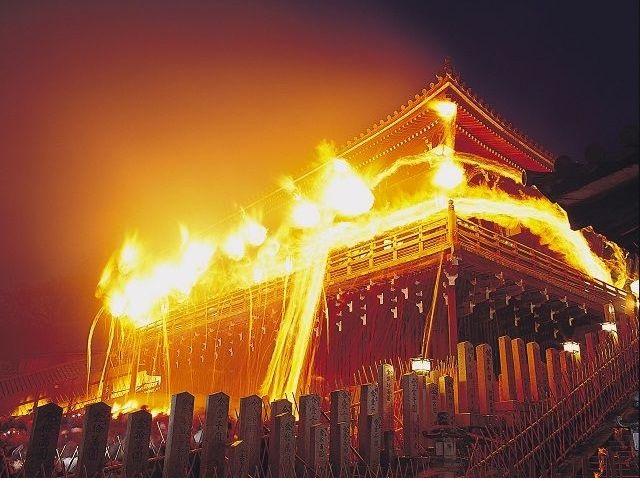 東大寺二月堂の修二会