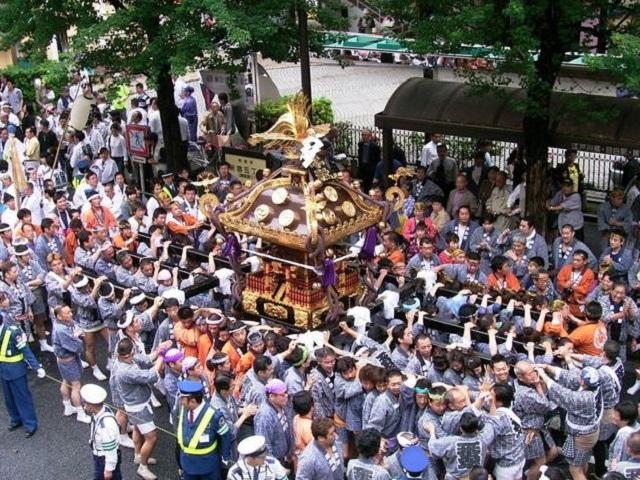 花園神社の例大祭