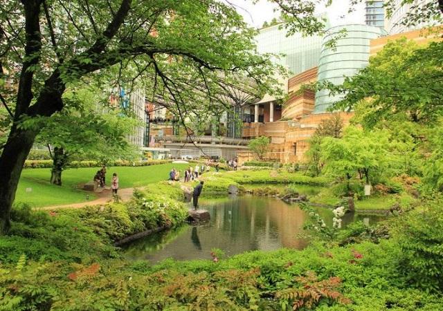 六本木ヒルズの毛利庭園