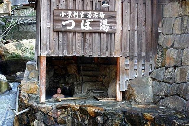 湯の峰温泉 つぼ湯