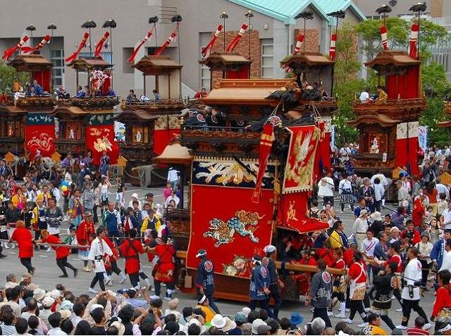 半田春の山車祭り