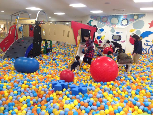 子供 遊べる 雨の日の子供の遊び場は?東京の室内アスレチックおすすめスポット